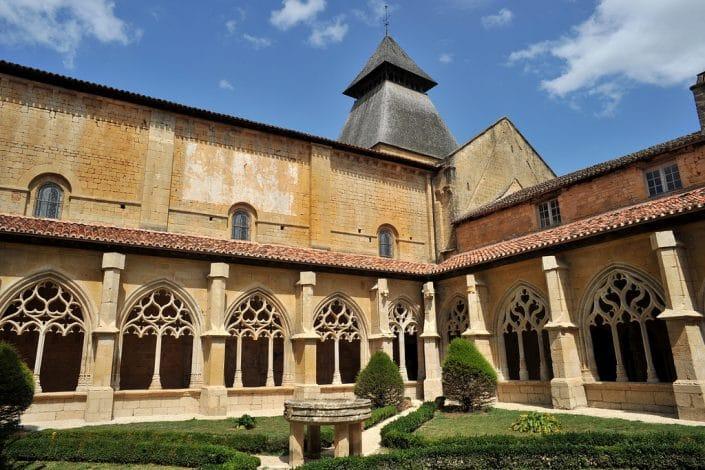 abbaye-cadouin-camping-dordogne-perigord