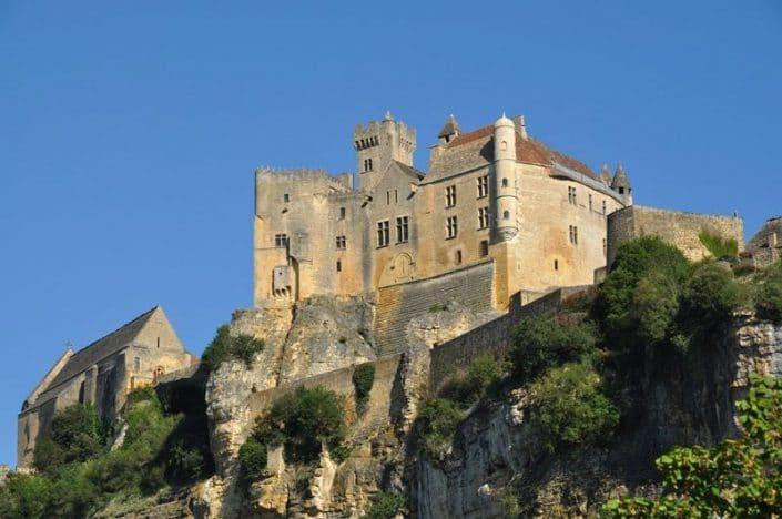 chateau-de-beynac-camping-le-daguet