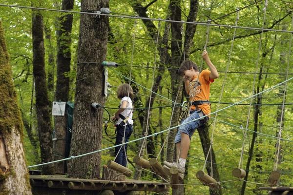 camping-3-etoiles-dordogne-perigord-le-daguet-parc-aventure-perigord
